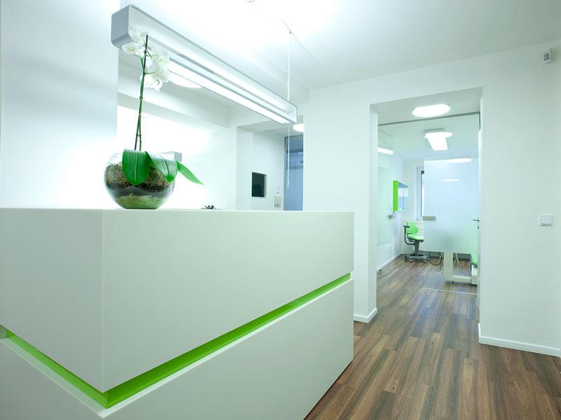 Mitarbeiter der 2M CLEAN Services GmbH & Co. KG nehmen regelmäßig an Weiterbildungen und Qualifizierungen teil. Perfektion ist unser Bestreben!